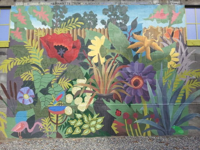 Community mural urban garden on pinterest garden mural for Mural garden